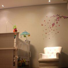 Luz focada para o quarto do bebe.
