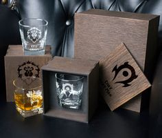 World of Warcraft gift Batman Wedding Cakes, Game Of Thrones Cards, Disney Wedding Gifts, Whiskey Gift Set, Gift Card Boxes, Wedding Silhouette, Wedding Guest Book Alternatives, Card Box Wedding, Gamer Gifts