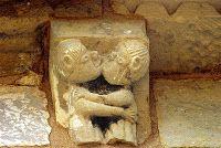 COUPLES et SEXUALITE - Art roman: modillons chapiteaux et peintures Art Roman, Sculptures, Lion Sculpture, Church Interior, Religious Architecture, Romanesque, Garden Statues, Nice To Meet, Ancient Artifacts