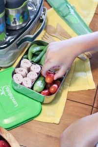 Learn how to pack a Kid-approved Healthy Lunch & a Mighty Nest Giveaway
