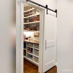 Kitchen Pantry Design, Kitchen Organization Pantry, Diy Kitchen Storage, Modern Kitchen Design, Home Decor Kitchen, Kitchen Interior, Pantry Shelving, Shelving Ideas, Open Shelving
