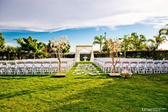 Gorgeous outdoor wedding at the Sheraton Carlsbad Resort and Spa via true weddings photography #SPGDreamWedding #SPGWeddings