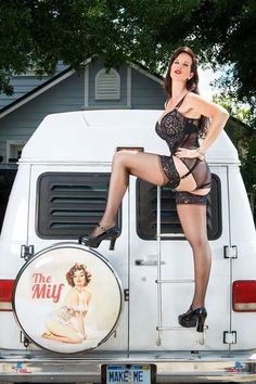 f My First Job, Cool Vans, Tattoo Models, Rockabilly, Pin Up, Give It To Me, Husband, Guys, Lady