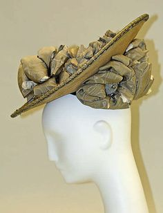 Hat 1905 made of silk and straw
