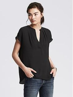 A simple short sleeved top like this would be great to wear to the office or for the weekend.  Love that it's machine washable.