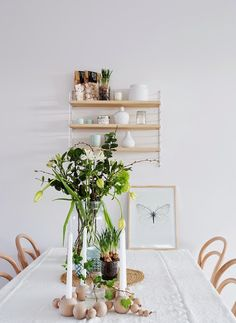 Un ático nórdico en blanco, detalles pastel y madera clara!