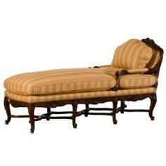 Antique French Regence Period Carved Walnut Chaise Longue, circa 1720