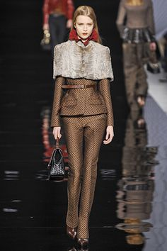 Corporate Empress. Etro Milan. Autumn/Winter 2012. Follow Pins and Tweets @Giselle Ugarte