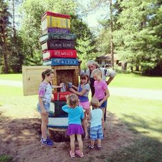 Can you imagine coming across this #LittleFreeLibrary?...