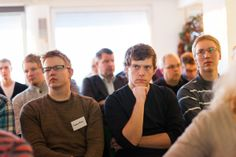 TEKin töissä voi päästä myös tienpäälle. Yliopistokampuksia jo lähes vuoden kiertänyt TEKin Yrittäjyys-Roadshow huipentui tammikuun lopussa Ouluun. Tilaisuuteen osallistui yli 70 oululaista. #tekniikanakateemiset #yrittäjyys #TEK #oulu Kuva: Juha M. Kinnunen My Job, Couple Photos, Business, Couple Pics, Store, Business Illustration