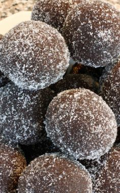 Chocolate Rum Balls - I wonder how these would taste if dipped in chocolate?