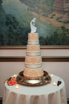 Henna Style Four Tier Wedding Cake   Pauleenanne Design   13 One Photography