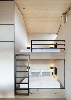 Alpine Chalets by Landau+Kindelbacher Architekten Innenarchitekten is part of - With the opening of the Alpine chalets, the hotel DAS TEGERNSEE has expanded its diverse range with a new format Bunk Bed Rooms, Bedrooms, Casa Hotel, Hotel Lobby, Modern Bunk Beds, Bunk Bed Designs, Modern Bedroom Design, Suites, Dream Rooms