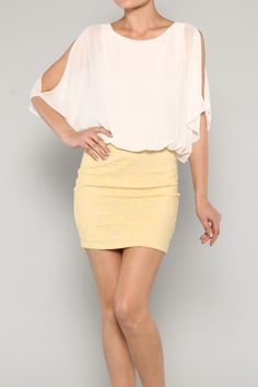 Solid and lace chiffon dress with slit sleeves