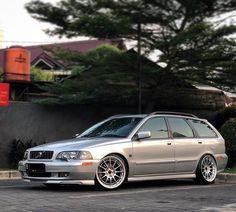 Volvo Wagon, Volvo Cars, Volvo V40, Toyota Corolla, Cadillac, Jdm, Touring, Chevrolet, Brick