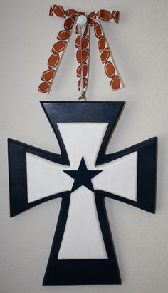 Dallas cowboys painted wood pallet art sign wall decor for Dallas cowboys arts and crafts