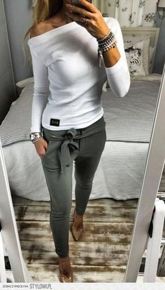Casual Chic Fall Outfits Ideas To Copy Right Now 01 Simple Outfits, Trendy Outfits, Trendy Fashion, Womens Fashion, Formal Outfits, Fashion Trends, Cheap Fashion, Fashion 2017, Classy Fall Outfits
