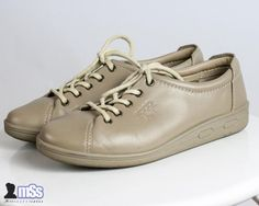 ECCO SOFT beige ladies flat 100% leather shoes trainers sz 5.5 UK 38 EU 24.3
