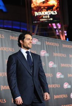"""Henry Cavill Photos - Premiere Of Relativity Media's """"Immortals"""" Presented In RealD 3D - Red Carpet - Zimbio"""