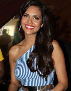 Esha Gupta calls herself a lookalike of her mother!