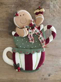 67 Ideas Tree Crafts Quilt Patterns For 2019 Christmas Fair Ideas, Christmas Clay, Felt Christmas Ornaments, Christmas Sewing, Christmas Themes, Christmas Decorations, Tree Crafts, Felt Crafts, Holiday Crafts