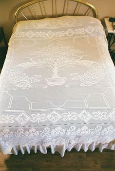 Work of Art - heirloom bedspread shared by Barbara Spoo in KnittingParadise..  This is a masterpiece!