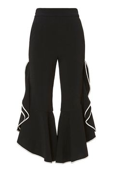 Culottes are here to stay in 2017 and these simple yet edgy black pair are perfect for the fall!