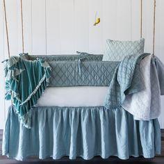 Bella Notte Crib Set 3-piece Chesapeake. #laylagrayce #lgturns10 #bellanotte #hpmkt