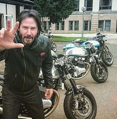 New Ideas cars motorcycle pictures Honda Scrambler, Scrambler Motorcycle, Moto Bike, Vintage Motorcycles, Custom Motorcycles, Custom Bikes, Cafe Bike, Cafe Racer Bikes, Keanu Reeves Motorcycle