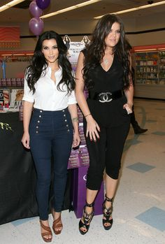 Kim Kardashian High-Waisted Jeans - High-Waisted Jeans Lookbook - StyleBistro
