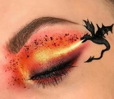 Shared by Caity. Find images and videos about game of thrones and dragon on We Heart It - the app to get lost in what you love. Edgy Makeup, Makeup Eye Looks, Eye Makeup Art, Crazy Makeup, Cute Makeup, Pretty Makeup, Eyeshadow Makeup, Eye Art, Amazing Makeup