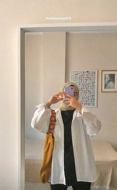 Modern Hijab Fashion, Street Hijab Fashion, Hijab Fashion Inspiration, Muslim Fashion, Mode Inspiration, Fashion Outfits, Hijab Fashionista, Instagram, Doha
