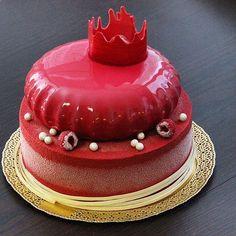 Торт для принцессы !!! Внутри шоколад /манго/ маракуйя -нижний ярус ,шоколад /карамель /малина -верхний ярус ❤️❤️❤️