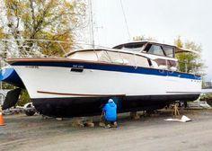Cruiser Boat, Cabin Cruiser, Boat Restoration, Vintage Boats, Wooden Cabins, Motor Yacht, Boat Design, Wooden Boats, Boat Building