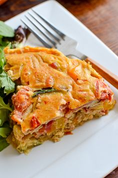 Healthy Dairy Free Crustless Bacon and Vegetable Quiche - perfect for breakfast, lunch or picnics and packed with flavour. Gluten free, dairy free, Slimming World and Weight Watchers friendly Dairy Free Quiche Recipes, Lunch Recipes, Diet Recipes, Healthy Recipes, Diet Meals, Healthy Meals, Slimming World Snacks, Slimming Eats, Slimming Recipes
