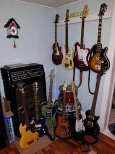 Guitars are like woman, can't live with em cant live without them! Music Aesthetic, Aesthetic Grunge, Music Guitar, Cool Guitar, Music Love, Music Is Life, Slytherin, Music Studio Room, Guitar Photography