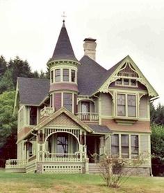 ... Beautiful Buildings, Beautiful Homes, Victorian Style Homes, Victorian Era, Victorian Decor, Victorian Porch, Victorian Cottage, Victorian Architecture, House Built