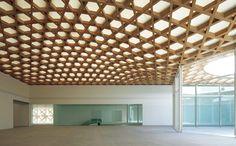 ガラスの折れ戸が内外をつなぐ坂茂の美術館。| OITA | casabrutus.com