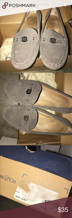 Bass flats Gray Bass flats in good condition. With Box. Bass Shoes Flats & Loafers