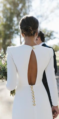 18 Of The Most Graceful Simple Wedding Dresses With Sleeves ❤ simple wedding dresses with sleeves open back with buttons lorenasanjose ❤ Simple Wedding Dress With Sleeves, Wedding Dress Sleeves, Modest Wedding Dresses, Wedding Gowns, Dresses With Sleeves, Wedding Dress Buttons, Open Back Wedding Dress, Wedding Dress Styles, Classy Dress
