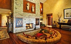 Traditional family room with fireplace high ceilings with loads of room to relax. Interior Wallpaper, Mac Wallpaper, Architecture Wallpaper, Architecture Design, Macbook Wallpaper, Computer Wallpaper, Traditional Family Rooms, Interior Decorating, Interior Design