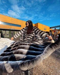 Chinchilla Fur, Fur Coats, Monster Trucks, Vehicles, Womens Fashion, Fur Coat, Car, Women's Fashion, Woman Fashion