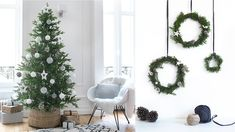My Scandi Kind of Christmas - how we celebrate and how Christmas looks like in our home. A child-friendly tree and lots of natural ornaments. Scandi Christmas Decorations, Woodland Christmas, Seasonal Decor, Table Decorations, Holiday Decor, Hygge, Le Gui, Holiday Mini Session, Mini Sessions