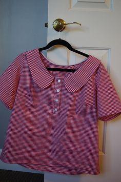 This is the cutest top ever. Daisy Duke meets Gidget! Megan Nielsen pattern. Kokka Gingham fabric
