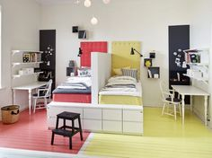 A single room for three children – PLANET DECO homes Ideas for Designing a Shared Room for Boy & Ideas For Designing An Art Deco BathroomClassic World Map Wallpaper Girls Bedroom, Bedroom Decor, Bedroom Ideas, Single Bedroom, Sibling Bedroom, Sister Bedroom, Boys Bedroom Furniture, Decor Room, Bedroom Themes