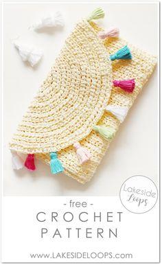 Evelyn Crochet Clutch – FREE Pattern – Fun beginner friendly crochet pattern for Spring + Summer! Evelyn Crochet Clutch – FREE Pattern – Fun beginner friendly crochet pattern for Spring + Summer! Crochet Clutch Pattern, Clutch Bag Pattern, Crochet Clutch Bags, Crochet Handbags, Crochet Purses, Crochet Bags, Confection Au Crochet, Modern Crochet Patterns, Diy Crochet