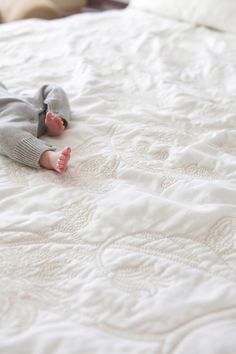 Pin by liandie krause on life goals foto baby, fotobuch baby Lifestyle Fotografie, Foto Baby, Lifestyle Newborn Photography, Babies Photography, Baby Family, Newborn Pictures, Sleeping Baby Pictures, Newborn Session, Newborn Sibling