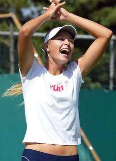 Maria Sharapova fun with lsughter