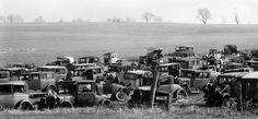 Walker Evans - Joe's Auto Graveyard, Pennsylvania, 1935
