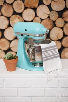 Make over a KitchenAid mixer in an undesirable hue with a quick paint job. | Here's How To Paint Literally Everything